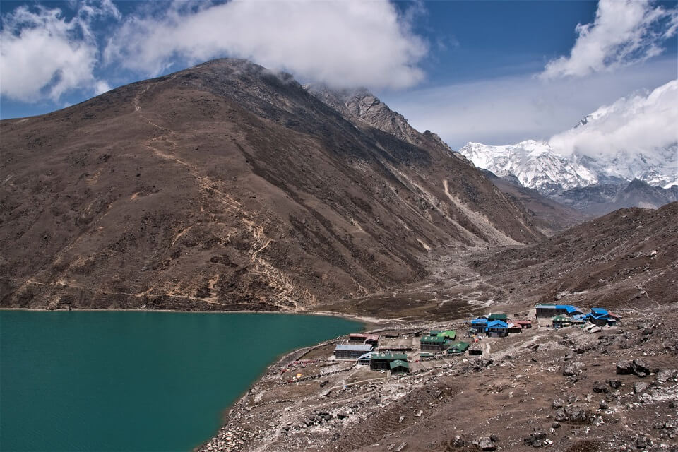 Gokyo-village- Yay Images