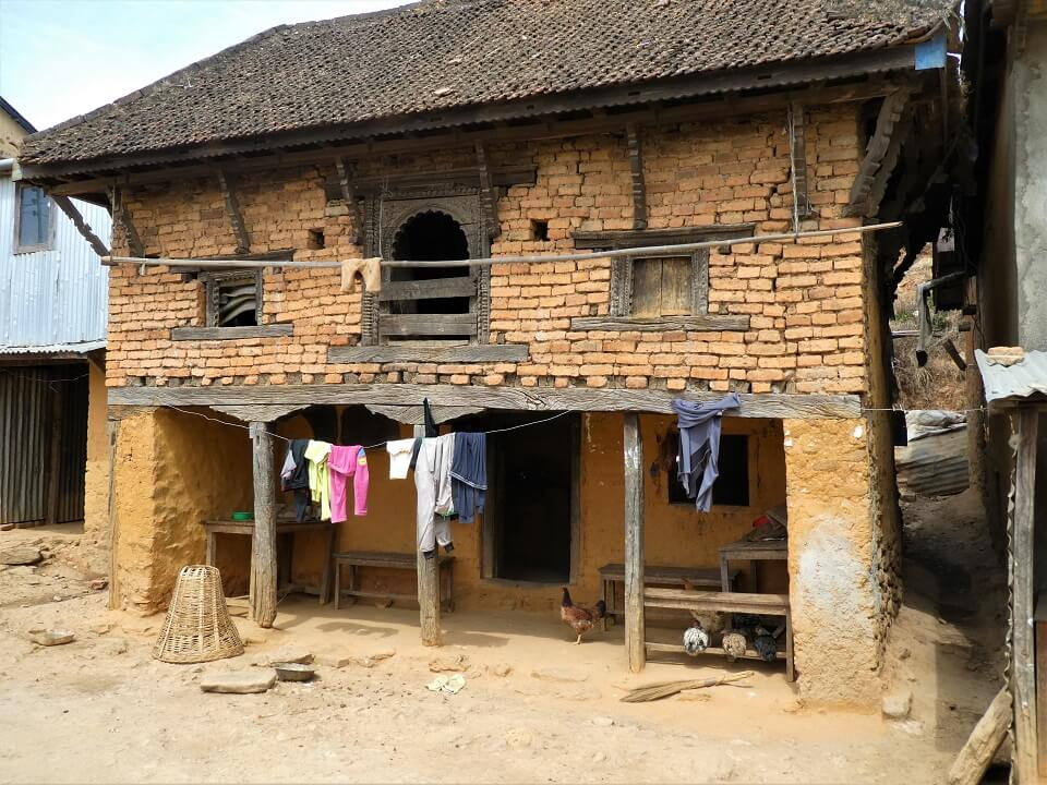 Indigenous people trek – traditioneel huis in een van de dorpen