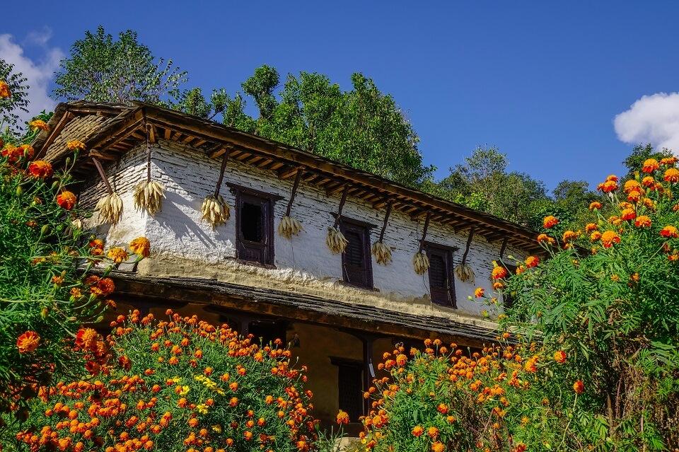 Khopra Ridge trek – typische Gurung woning onderweg